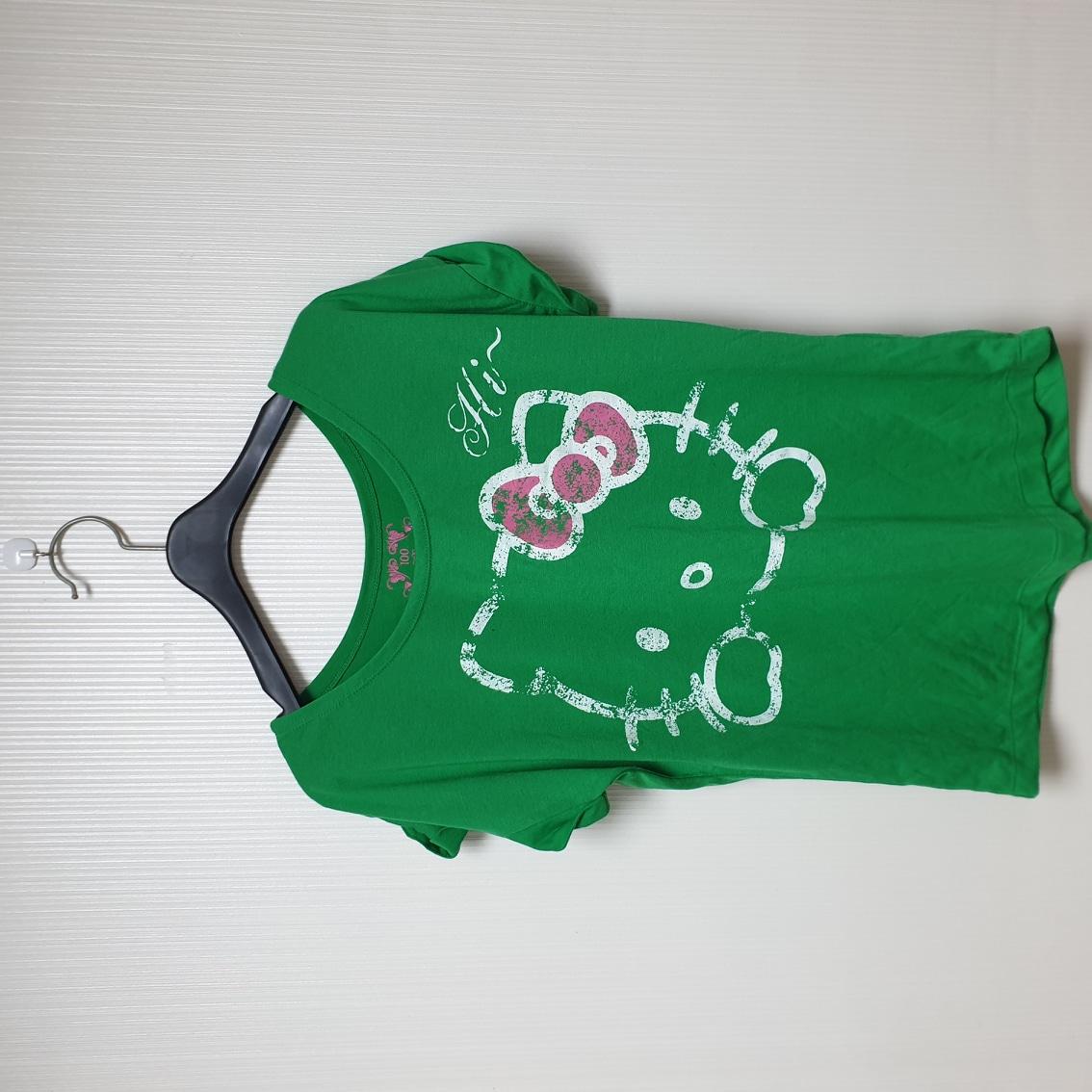 헬로키티 초록 티셔츠