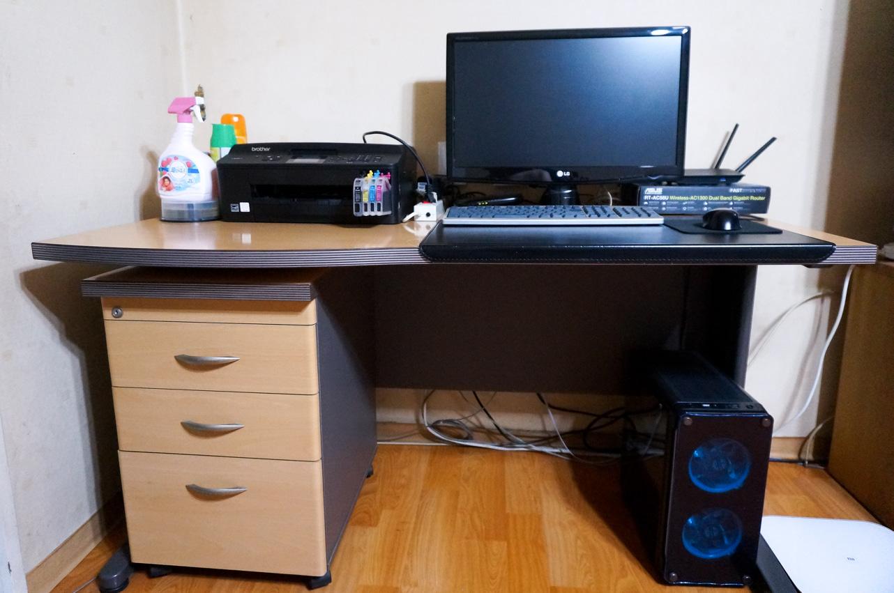 컴퓨터 책상 팝니다