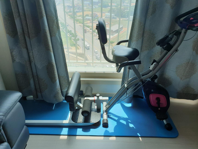 실내운동기구자전거 및 스쿼트머신 일괄판매