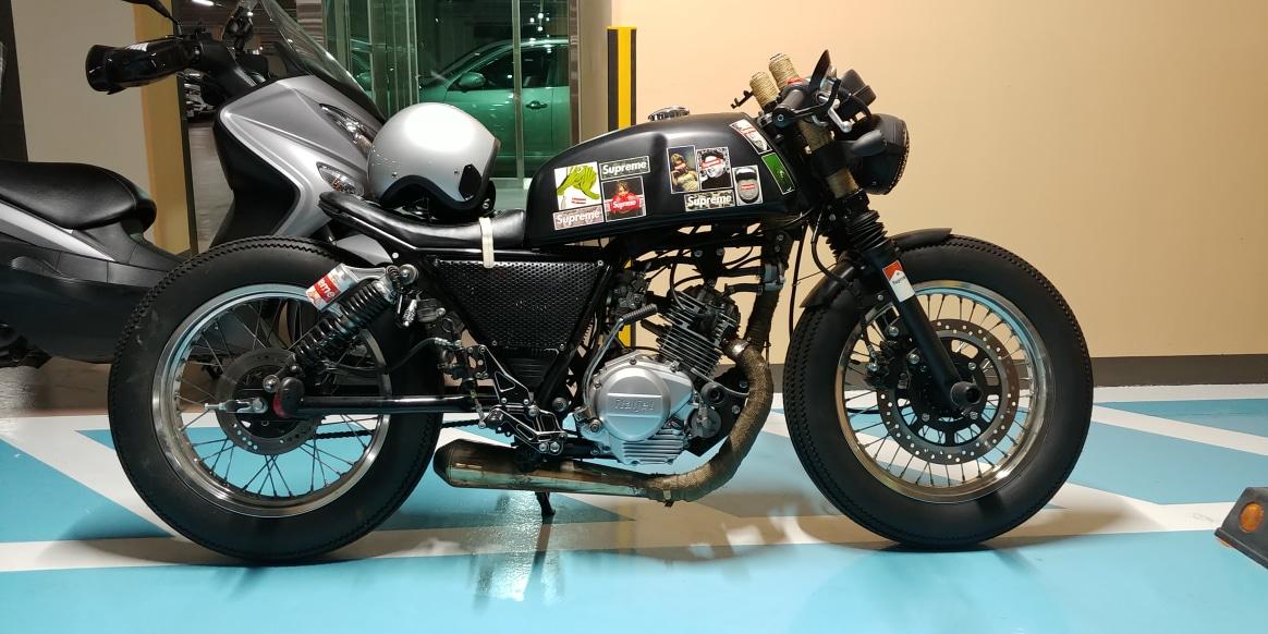 풀커스텀 오토바이 125cc