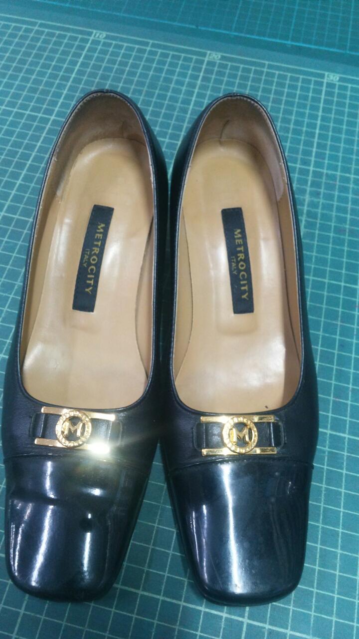 신발  좋은 신발  사이즈  맞는분  주저하지  마시고  연락 사이즈230   택배가능  굽 3ㆍ4쎈치