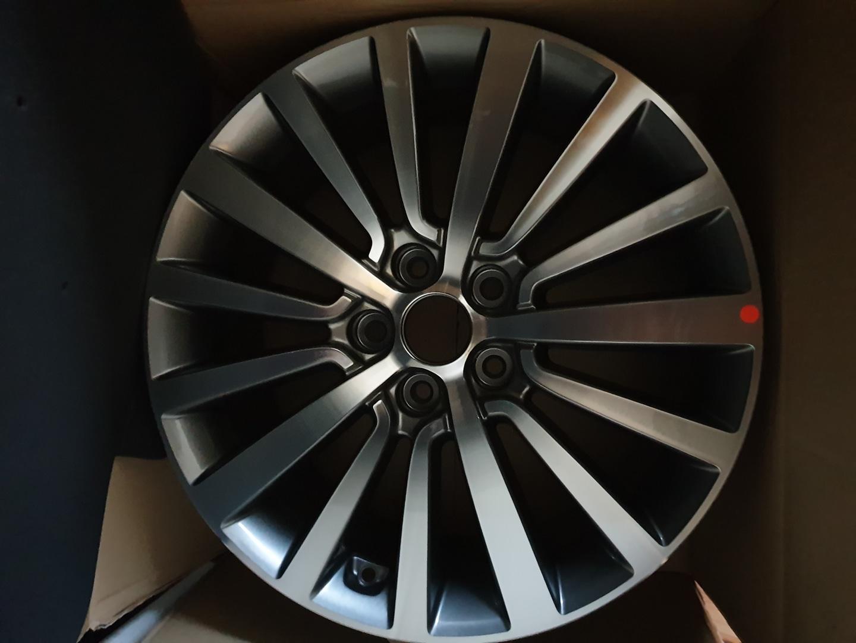 yf소나타 18인치휠 1개