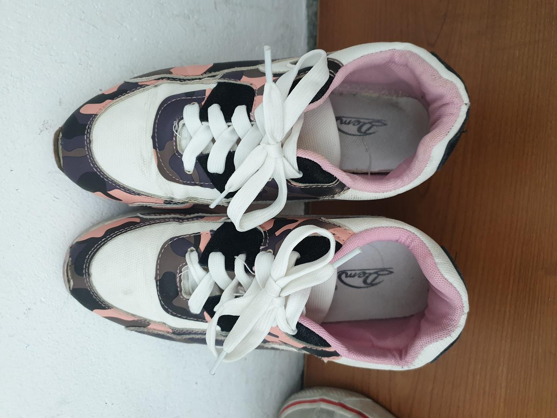 분홍색 신발