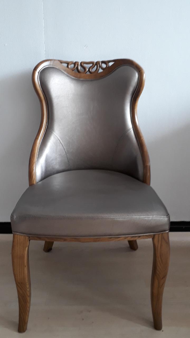오크목 의자