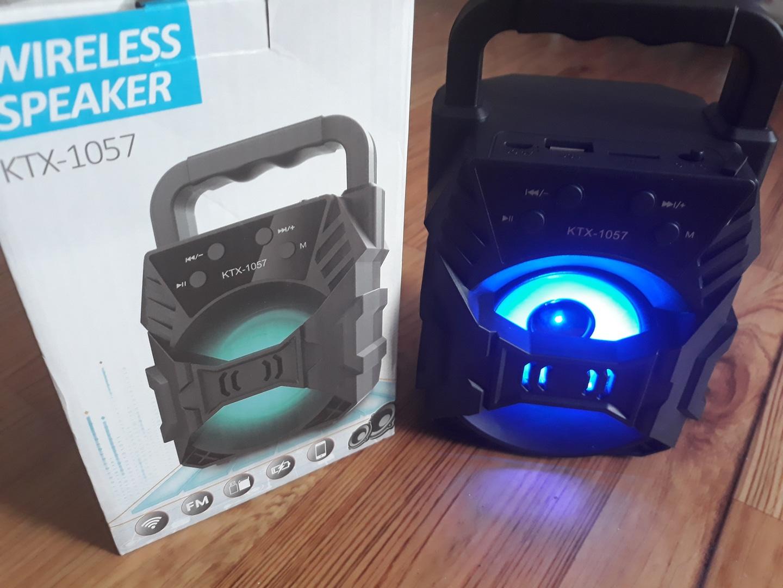 블루투스(네온 불빛) 스피커 &FM&TF&USB메모리 기눙(미사용 새상품).