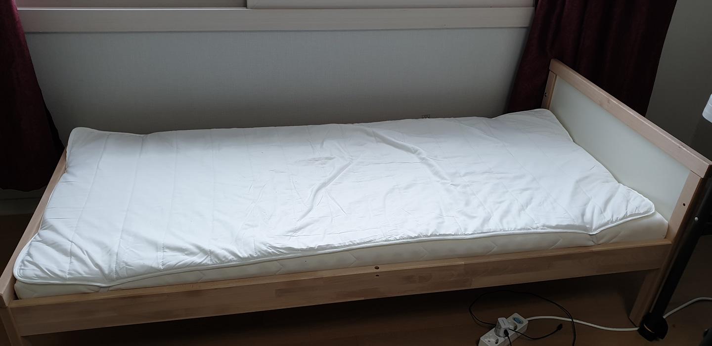 [가격인하]이케아 스니글라르 어린이 침대(메트리스+메트리스패드 포함) 실사용 한 달 안 됨