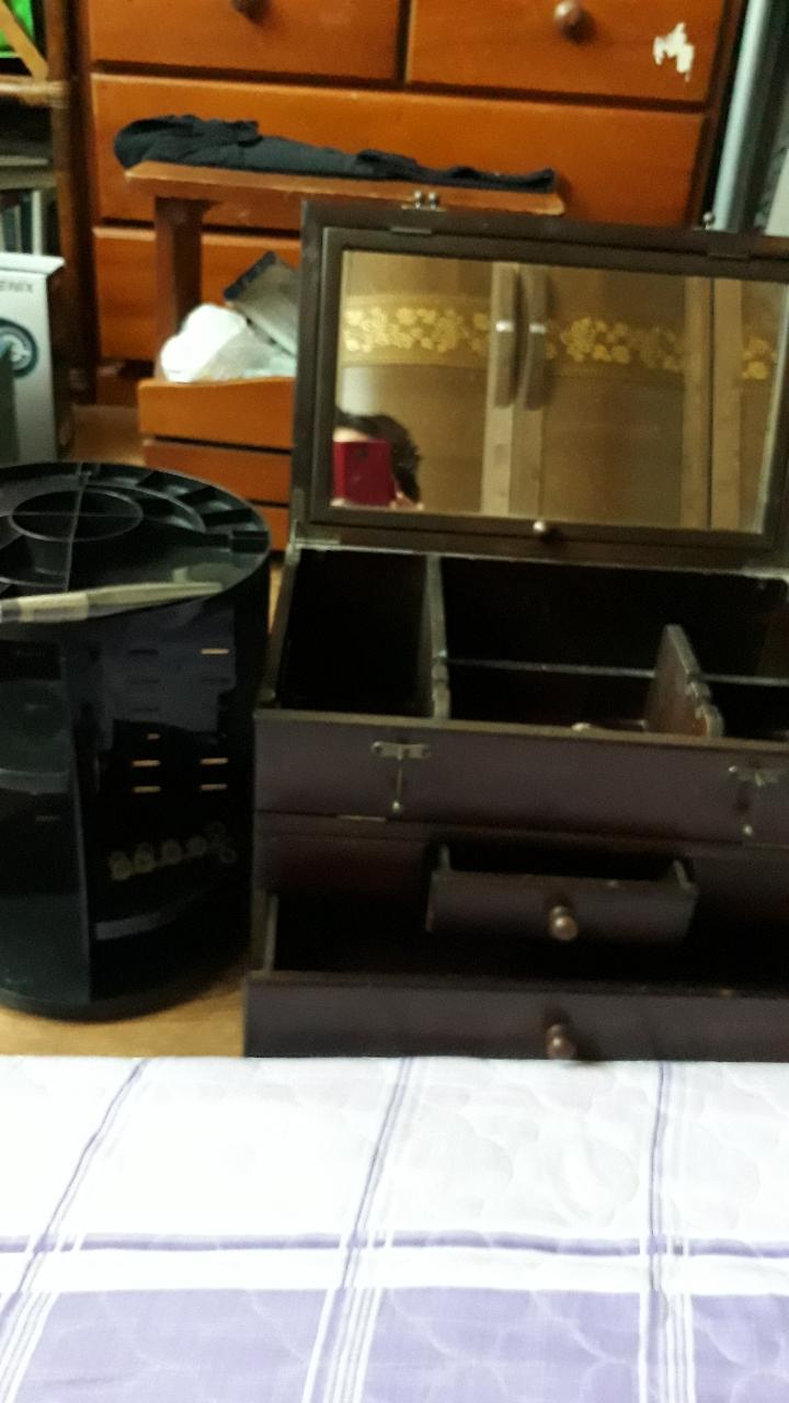 접이식화장대랑 회전화장대 마스카라