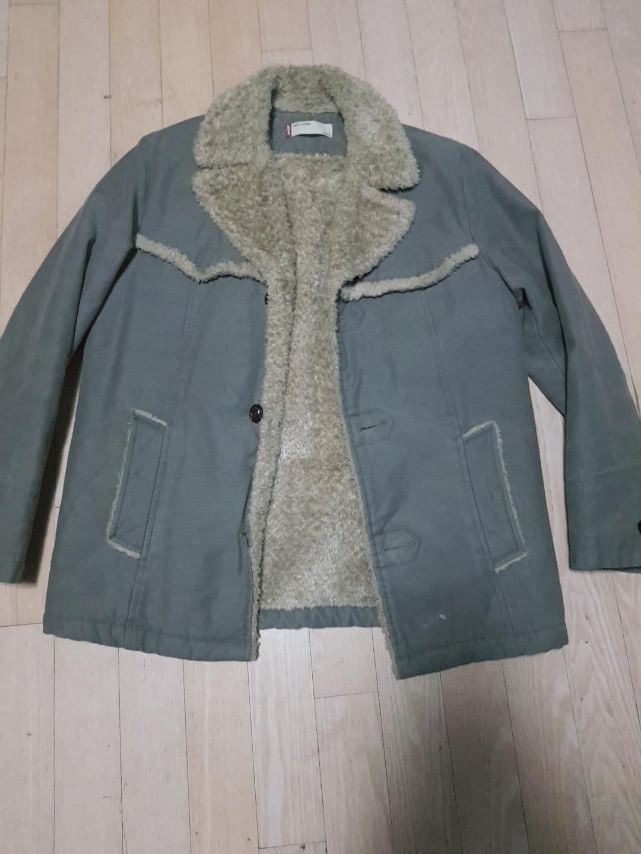 LEVIS 겨울용 재킷(무스탕) 판매합니다.