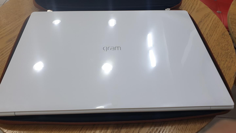 LG그램 17인치 i5모델 19년 2월 제조