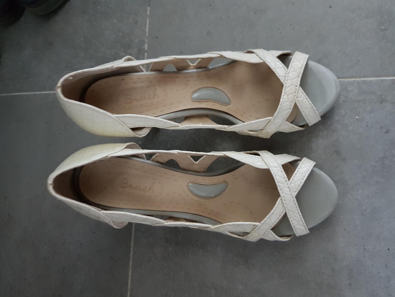 샌들.연주회 신발 사용. 사이즈 245. 굽높이 10cm