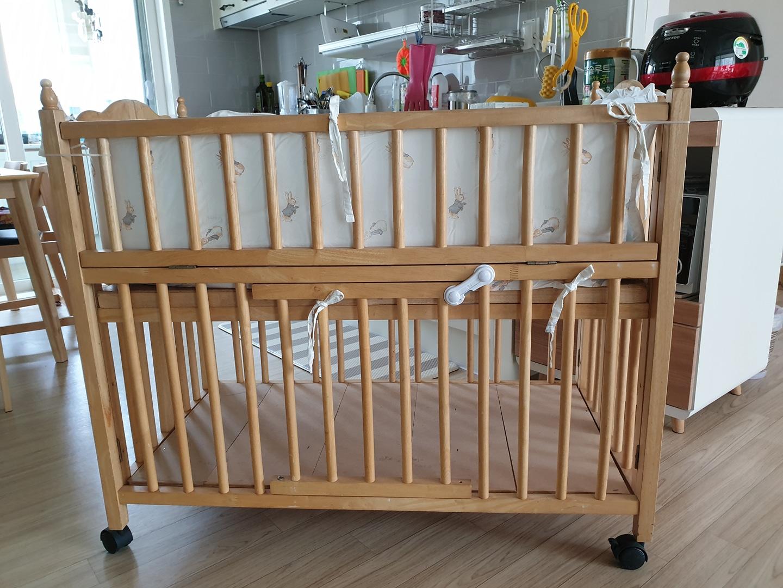 아기 침대