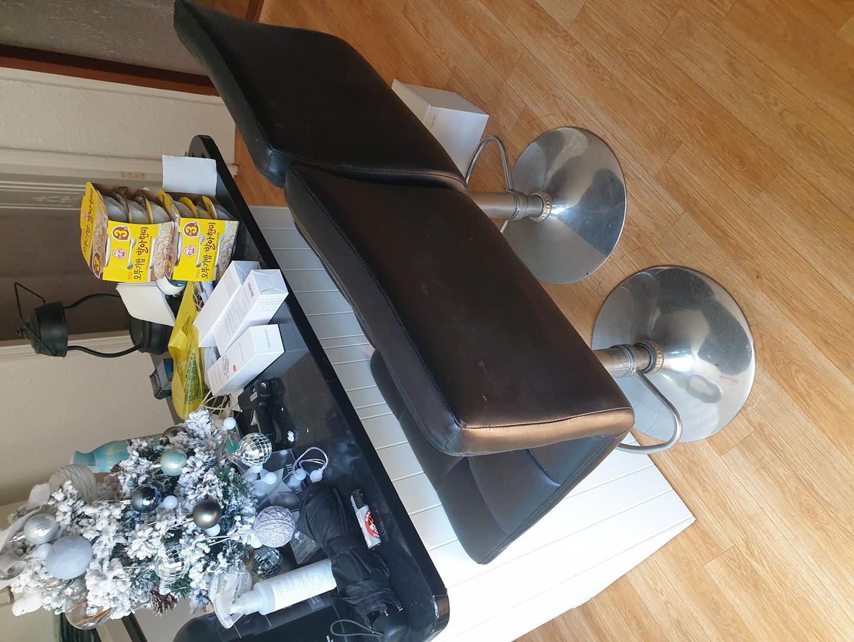 세탁기행거.아일랜드식탁.식탁의자2개.커튼.수납장.좌식식탁.선반