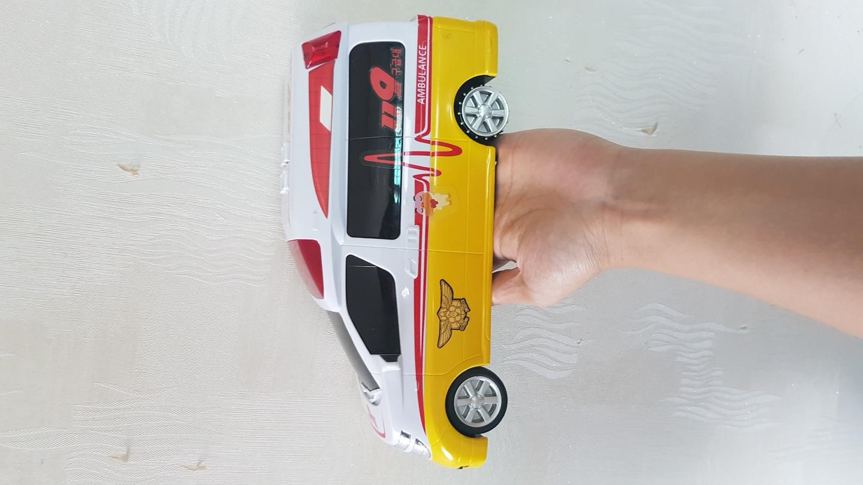 장난감 자동차