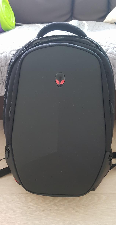 에얼리언웨어 백팩 (노트북가방) 파우치포함