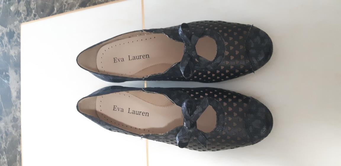 중년여성 신발