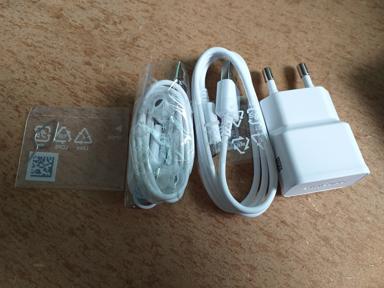 충전기+이어폰+칩분리핀