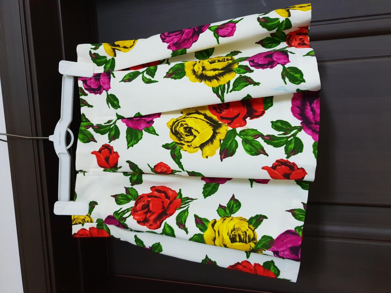 꽃무늬 스커트