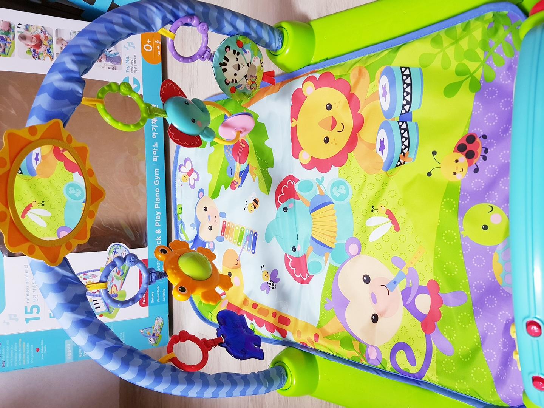 피셔프라이스 피아노 아기 체육관+바운서 모두해서 2만 5천원에 팝니다.