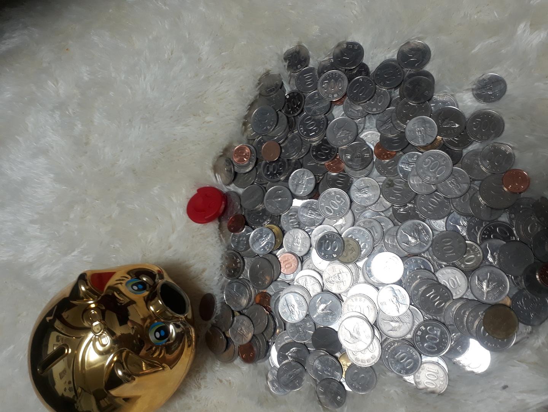 동전7만원  종이돈으로 바꿔주실분있나요???