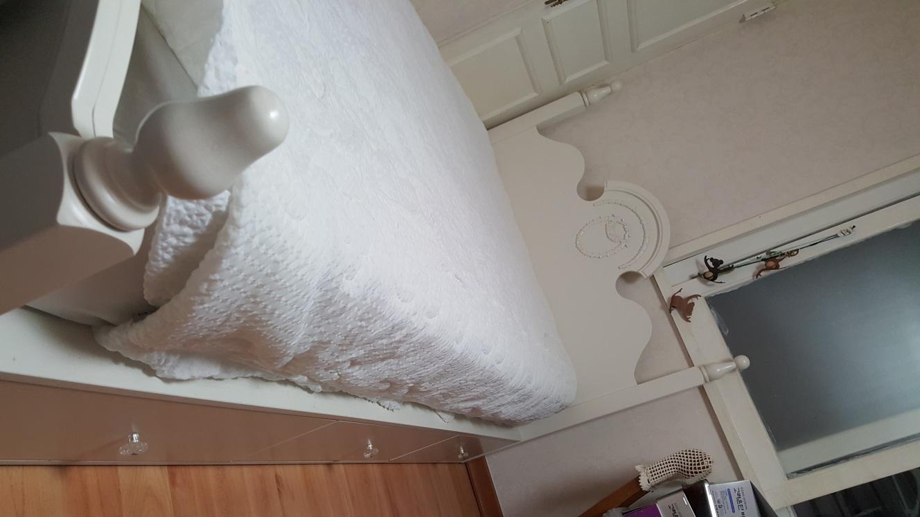 깨끗한 싱글침대 무료로 드립니다.