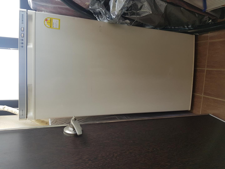 [무료나눔] 냉동고 180l