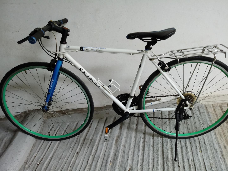 자전거28인치21단입니다 손볼데없어요 바로타면됨니다