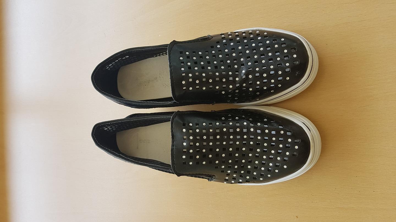 키높이 여름용 여성 신발 팝니다 아주 깨끗합니다 235mm 입니다